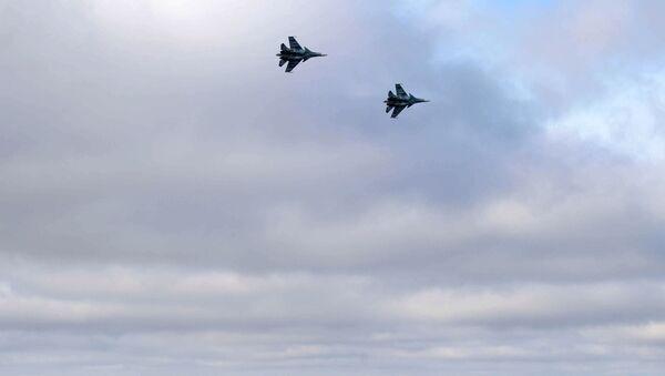 Lovci Su-30SM iznad Crnog mora - Sputnik Srbija