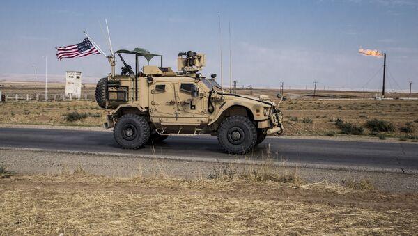 Američke snage patroliraju sirijskim naftnim poljima u istočnoj Siriji - Sputnik Srbija