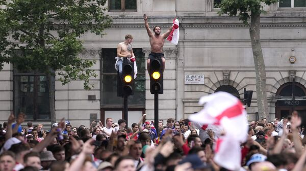 Навијачи Енглеске у Лондону пред финале Европског првенства - Sputnik Србија