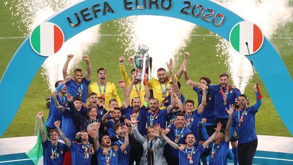 Фудбалери Италије славе титулу шампиона Европе - Sputnik Србија