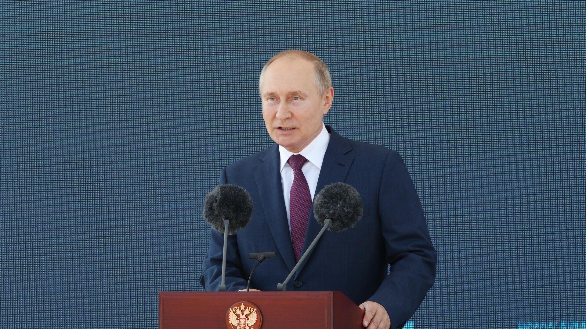 Председник Русије Владимир Путин на отварању авио салона МАКС 2021 - Sputnik Србија, 1920, 22.08.2021