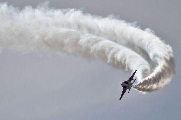 """Борбени тренажни авион """"Јак-130"""" - Sputnik Србија"""