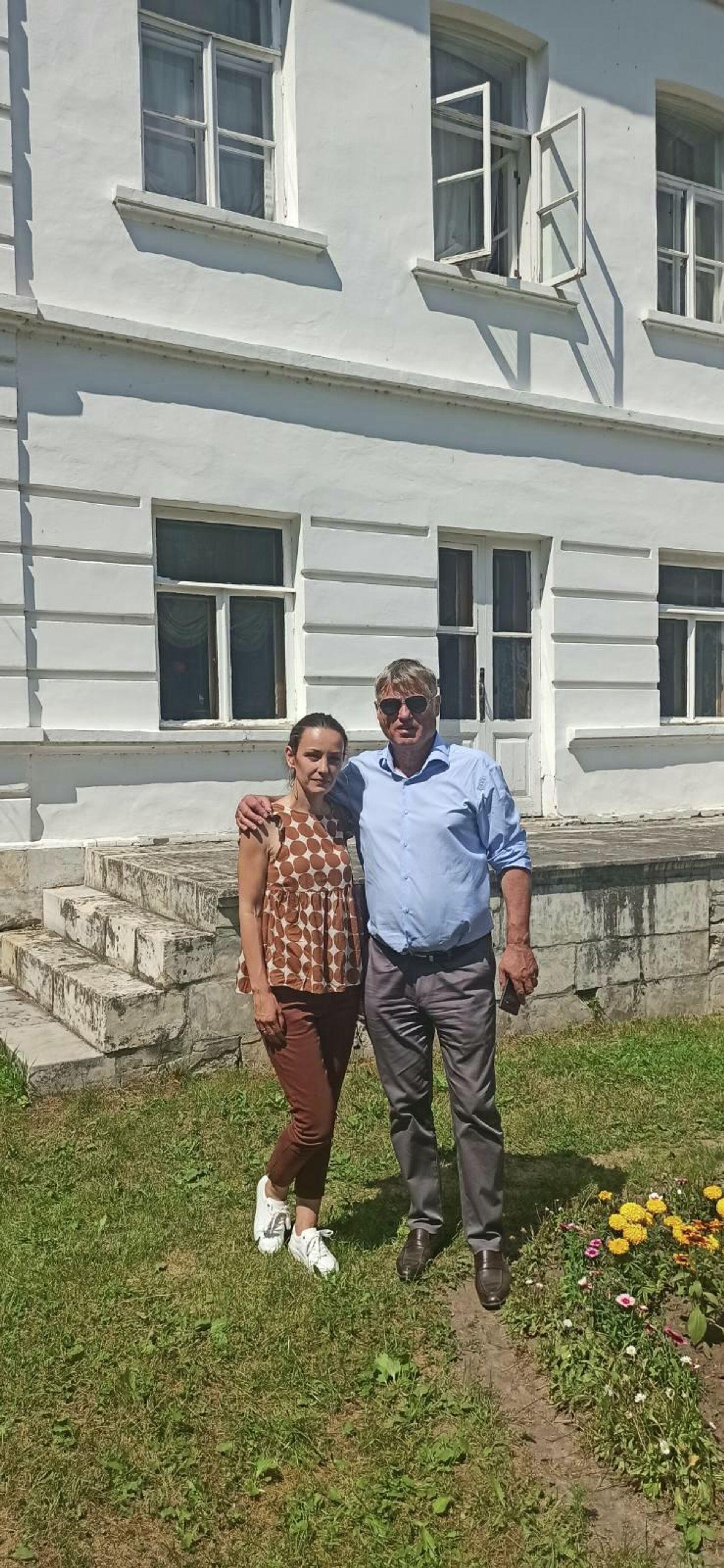 Ambasador Srbije u Rusiji Miroslav Lazanski u poseti Jasnoj poljani - Sputnik Srbija, 1920, 25.07.2021