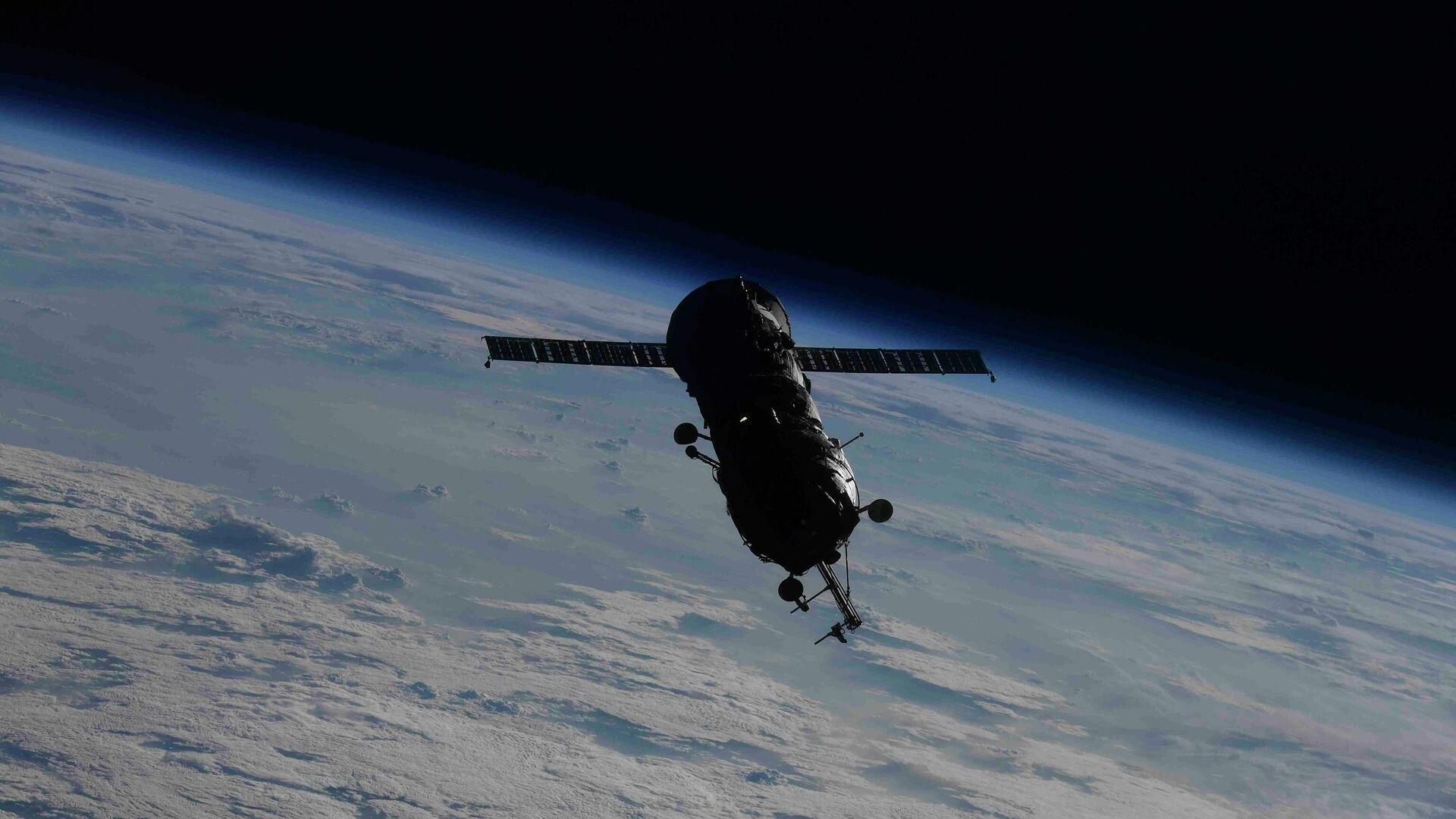 """Модул """"Пирс"""" након одвајања од Међународне свемирске станице - Sputnik Србија, 1920, 31.07.2021"""