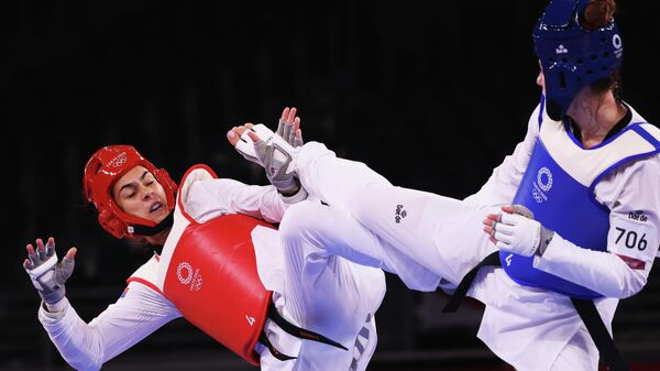 Milica Mandić u četvrtfinalu Olimpijskih igara protiv Aleksandre Kovalčuk  - Sputnik Srbija