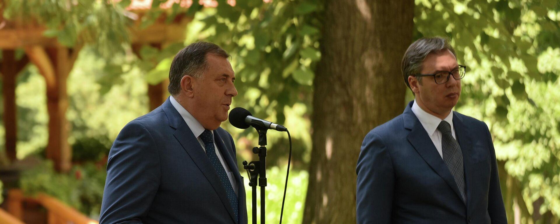 Милорад Додик и Александар Вучић - Sputnik Србија, 1920, 04.08.2021