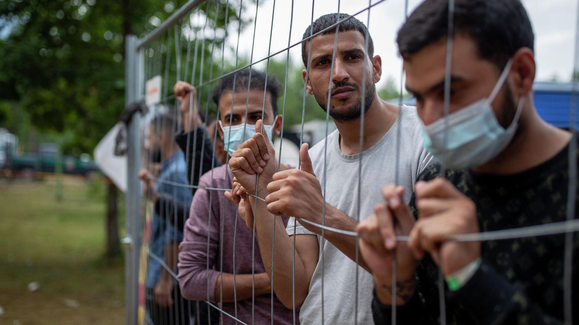 Migranti u izbegličkom kampu u Litvaniji - Sputnik Srbija, 1920, 23.08.2021