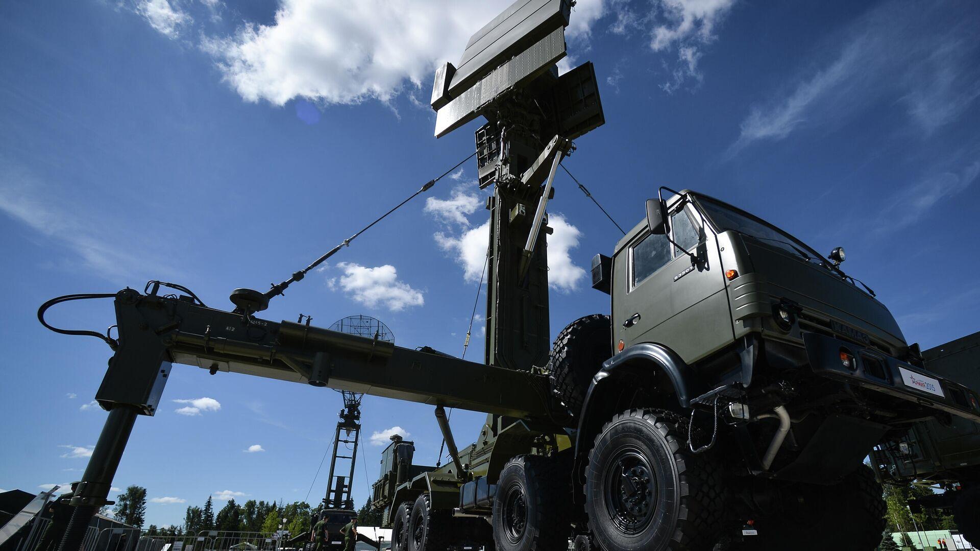 "Mobilni radiolokacijski sistem ""Podlet"" na međunarodnom vojno-tehničkom forumu ARMI-2015 - Sputnik Srbija, 1920, 09.08.2021"