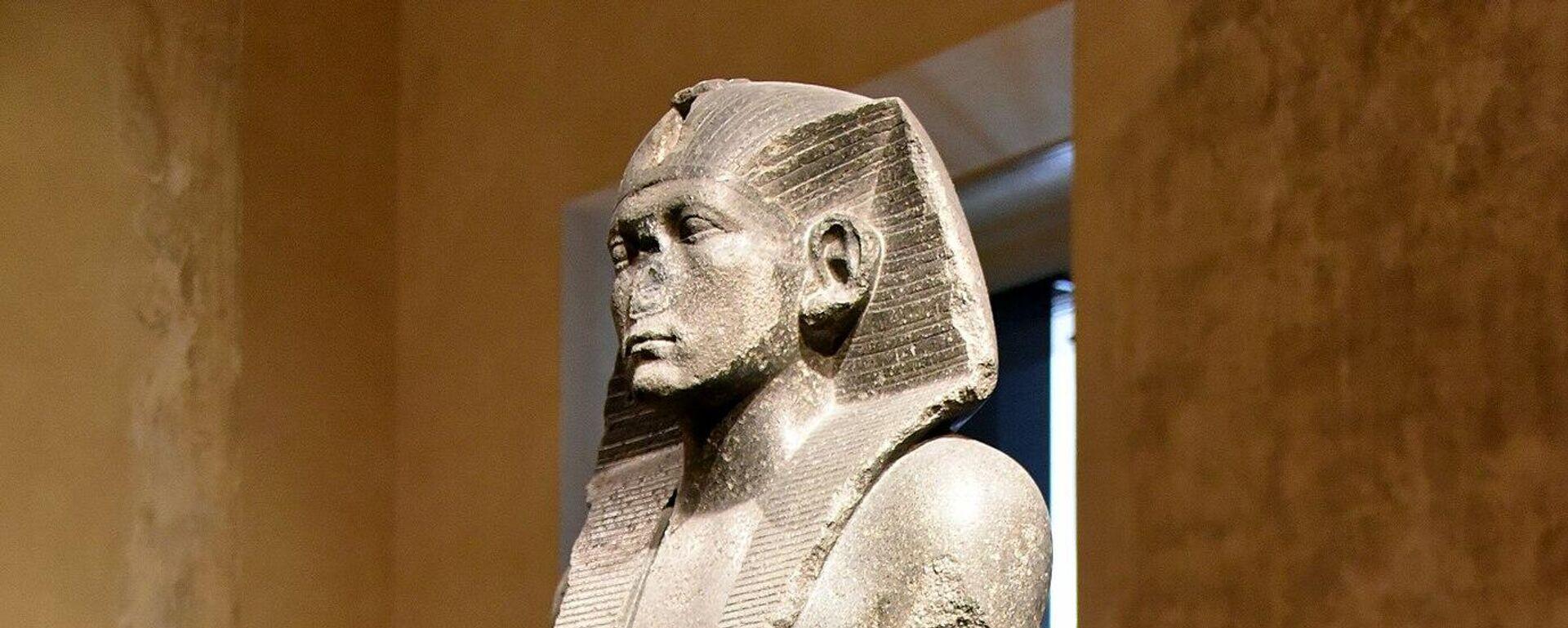 Statua egipatskog faraona Amenemheta Trećeg u muzeju u Berlinu - Sputnik Srbija, 1920, 15.08.2021