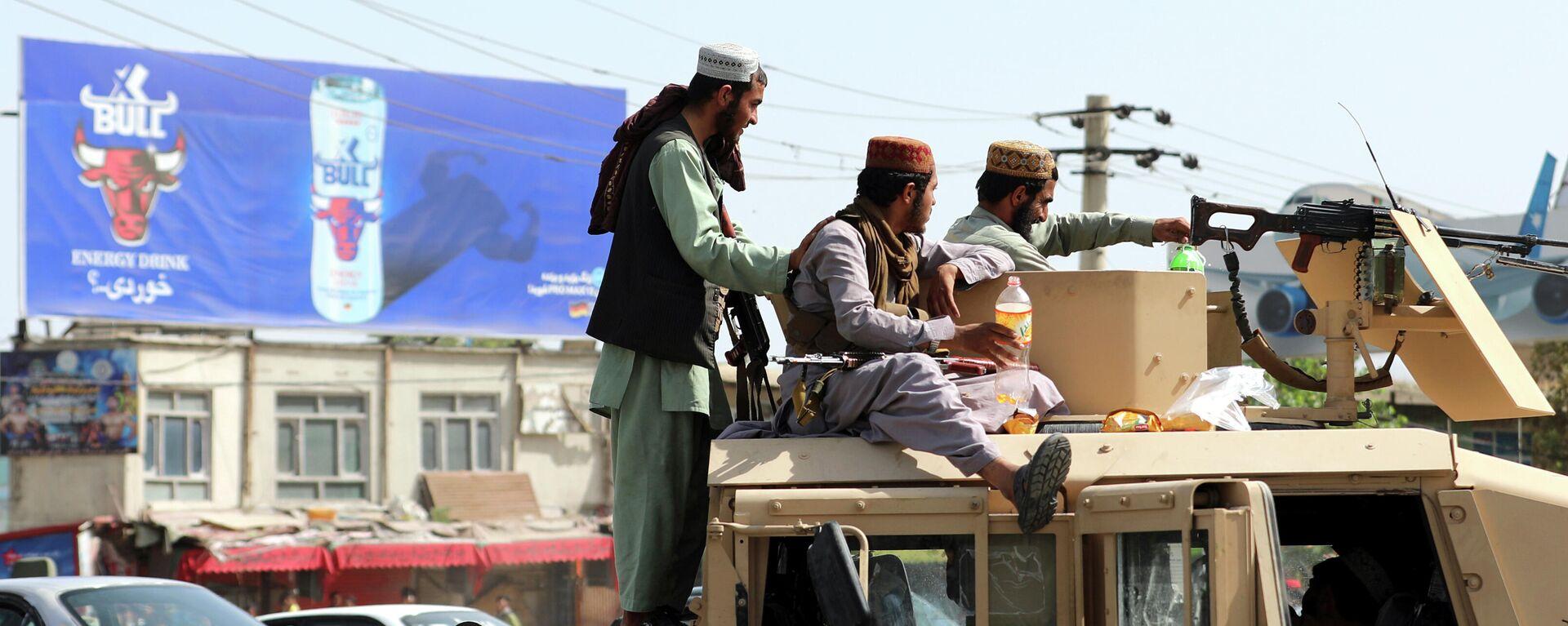 Талибани испред аеродрома у Кабулу - Sputnik Србија, 1920, 18.08.2021