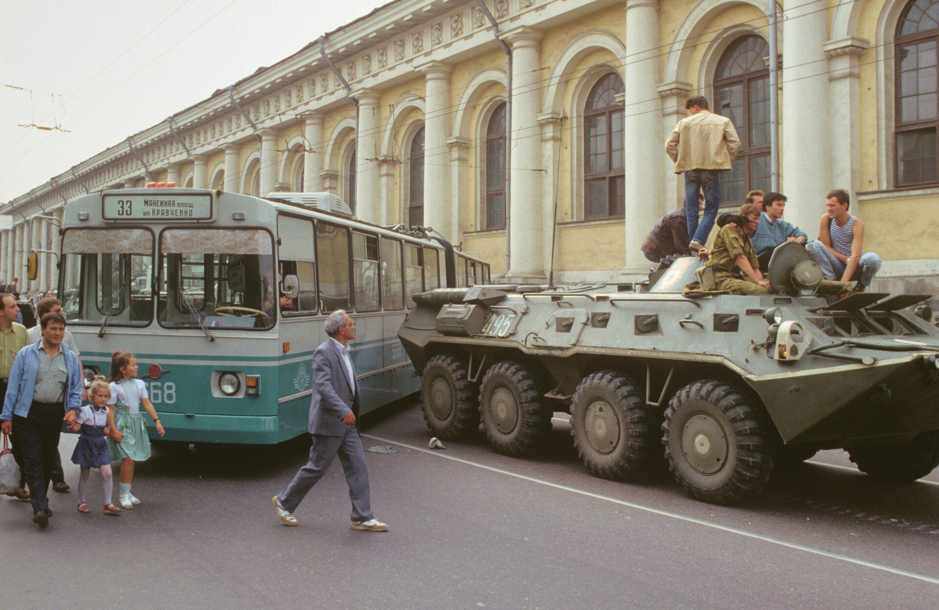 Августовски пуч у Совјетском Савезу 1991.  - Sputnik Србија, 1920, 18.08.2021