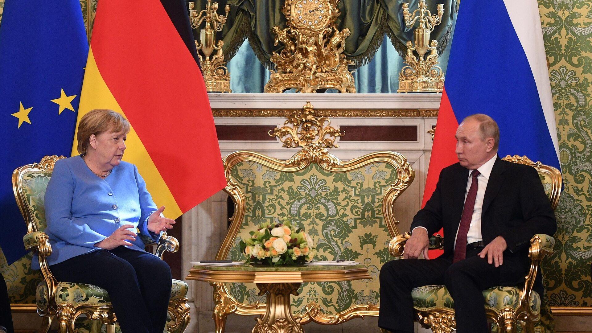 Nemačka kancelarka Angela Merkel i predsednik Rusije Vladimir Putin na sastanku u Kremlju - Sputnik Srbija, 1920, 20.08.2021