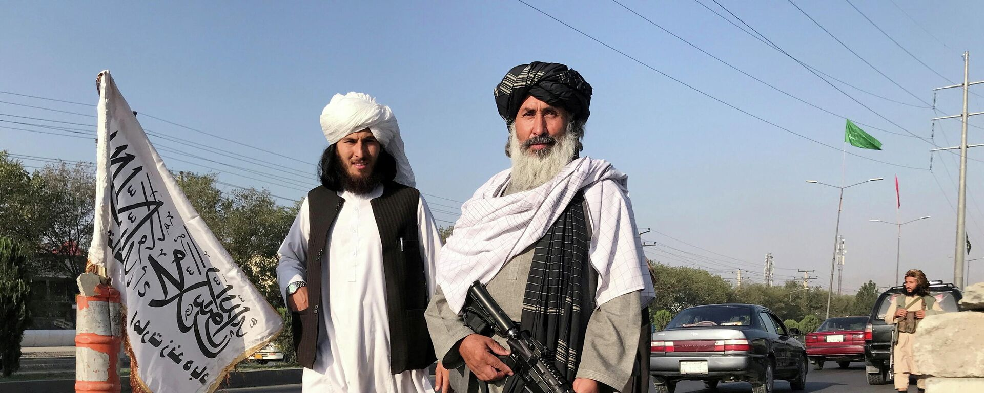 Припадници талибанског покрета наоружани пушкама у Кабулу - Sputnik Србија, 1920, 03.09.2021