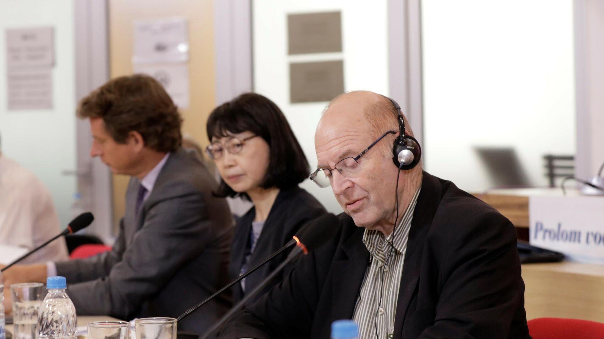 Gideon Grajf, predsednik Nezavisne međunarodne komisije za istraživanje stradanja svih naroda u srebreničkoj regiji od 1992.do 1995.godine. - Sputnik Srbija, 1920, 24.08.2021