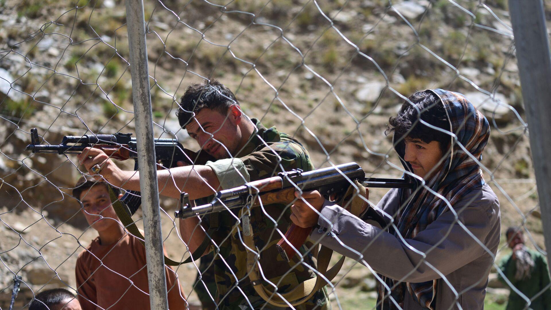 Pripadnici avganistanskog pokreta otpora tokom obuke u pokrajini Pandžšer  - Sputnik Srbija, 1920, 07.09.2021