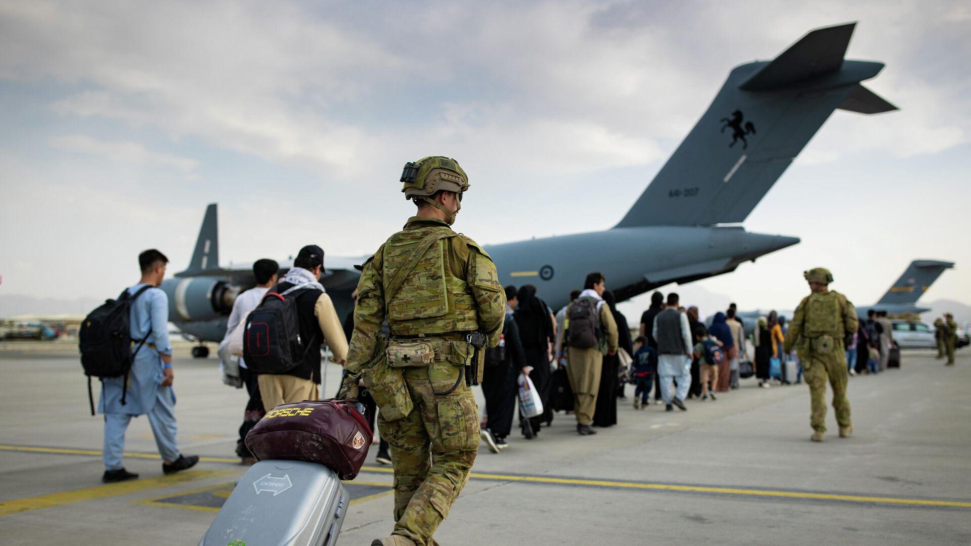 Evakuacija stranih državljana i Avganistanaca sa aerodroma u Kabulu - Sputnik Srbija, 1920, 27.08.2021