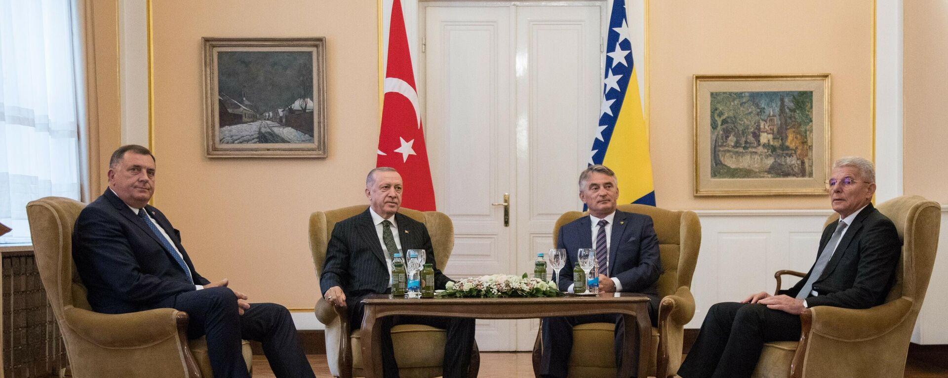 Predsednik Turske Redžep Tajip Erdogan na sastanku sa članovima Predsedništva BiH - Sputnik Srbija, 1920, 31.08.2021