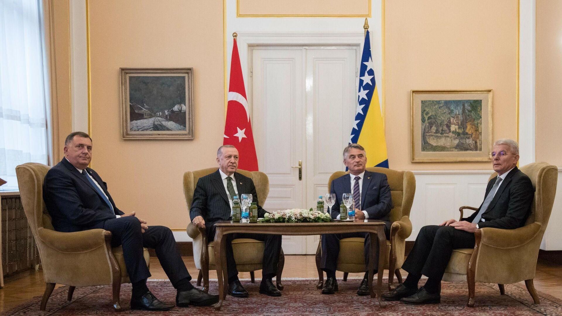 Predsednik Turske Redžep Tajip Erdogan na sastanku sa članovima Predsedništva BiH - Sputnik Srbija, 1920, 27.08.2021