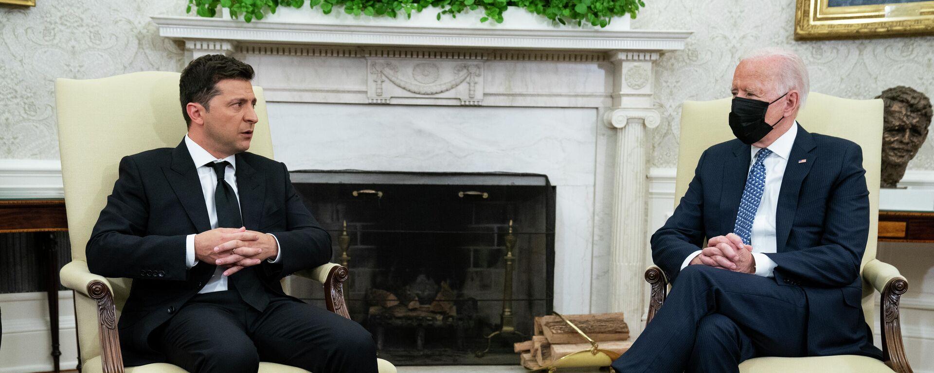 Predsednici Ukrajine i SAD, Vladimir Zelenski i Džozef Bajden tokom sastanka u Beloj kući - Sputnik Srbija, 1920, 05.09.2021