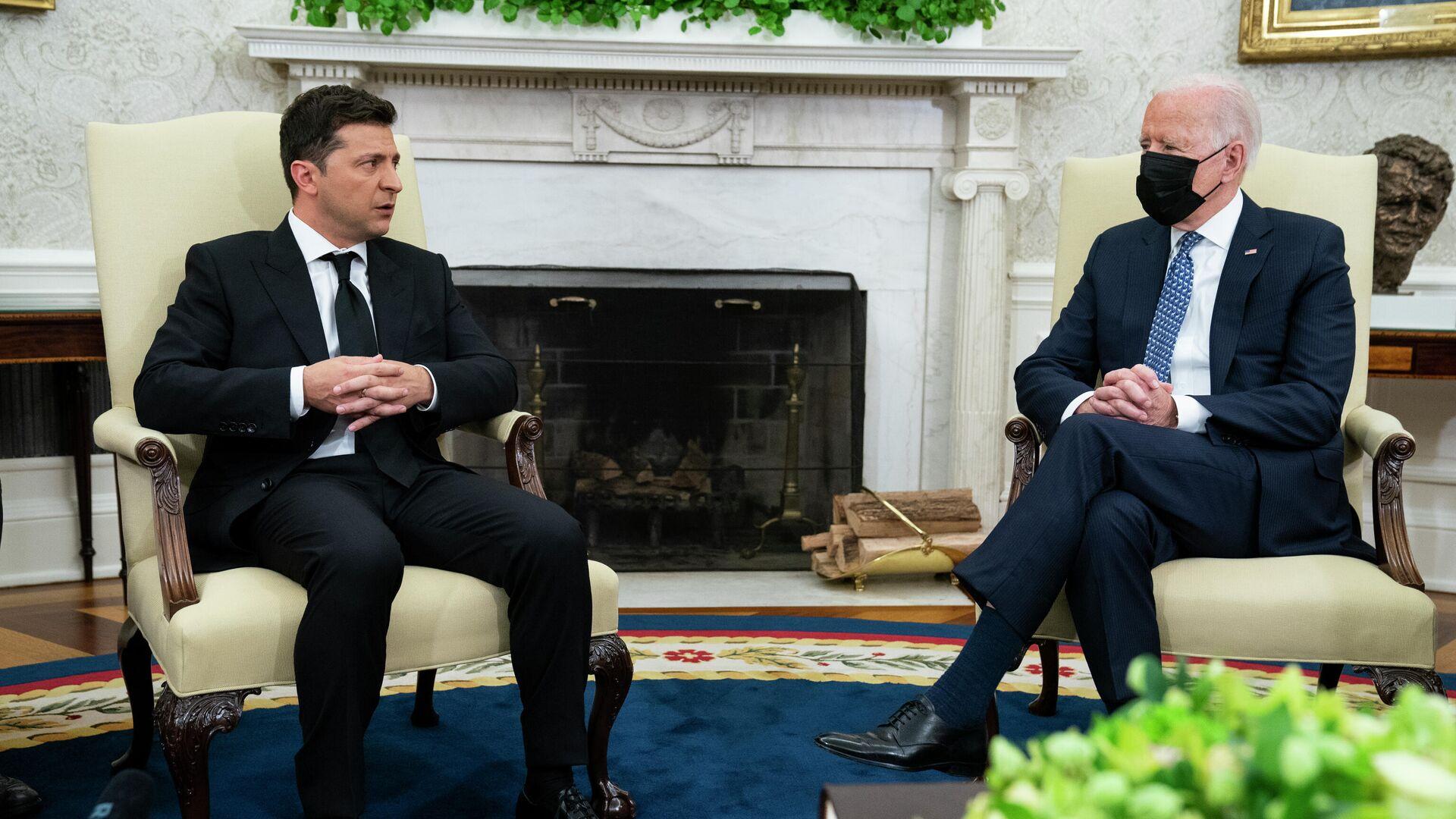 Predsednici Ukrajine i SAD, Vladimir Zelenski i Džozef Bajden tokom sastanka u Beloj kući - Sputnik Srbija, 1920, 02.09.2021