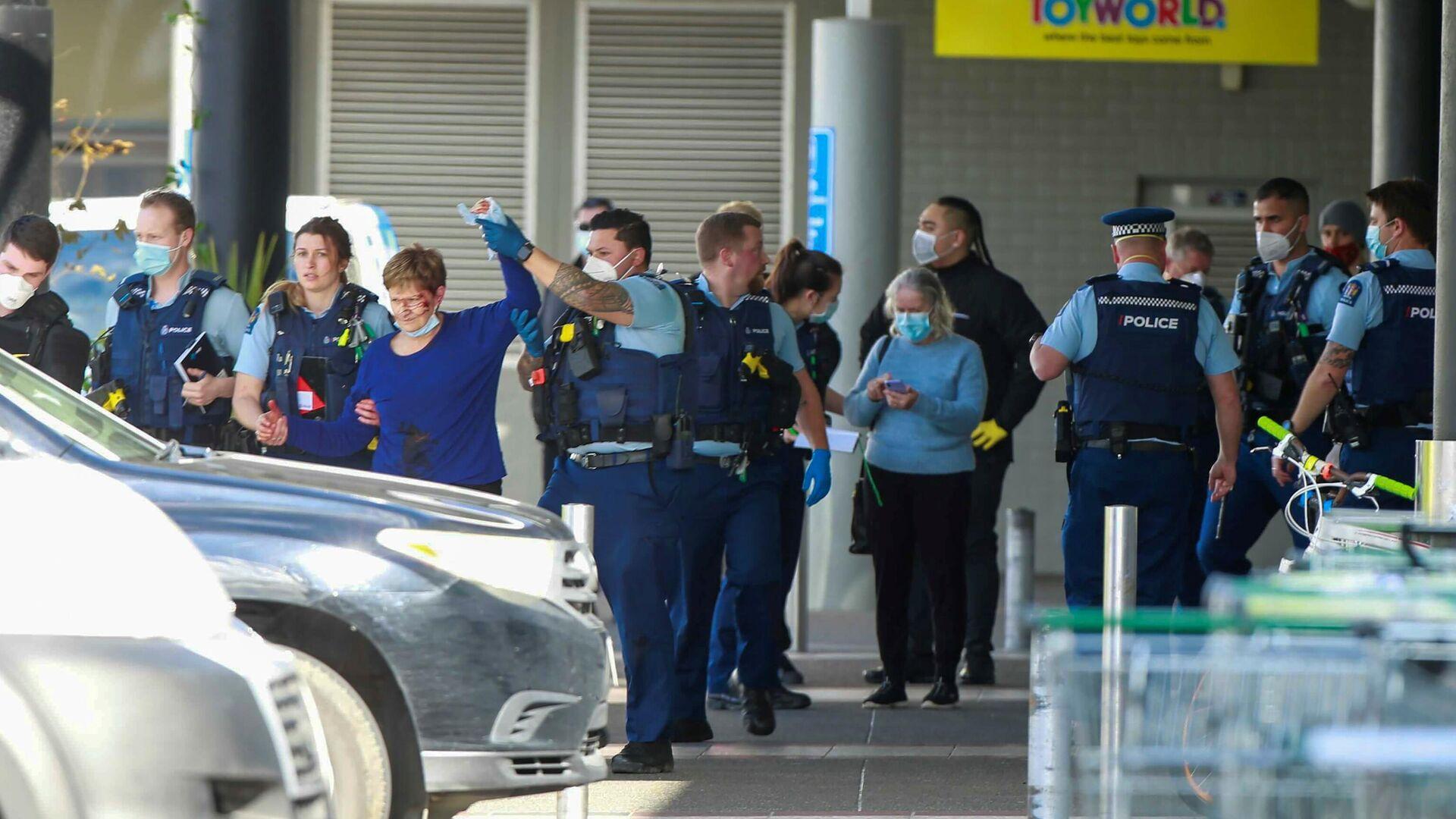 Полиција испред супермаркета после напада у Окланду на Новом Зеланду - Sputnik Србија, 1920, 03.09.2021