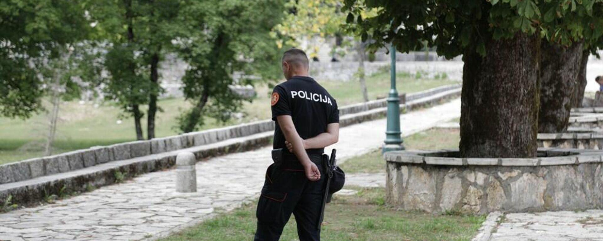 Policija dežura u kompleksu Cetinjskog manastira - Sputnik Srbija, 1920, 08.09.2021