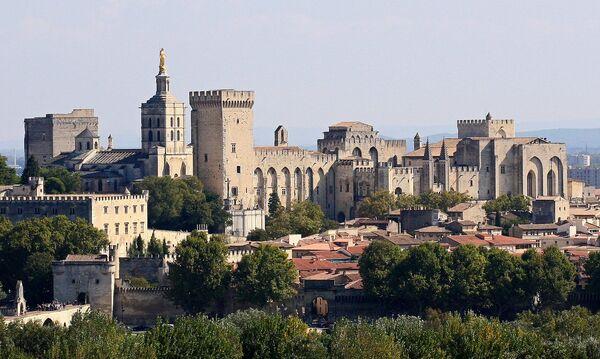 Papska palata u francuskom Avinjonu - Sputnik Srbija
