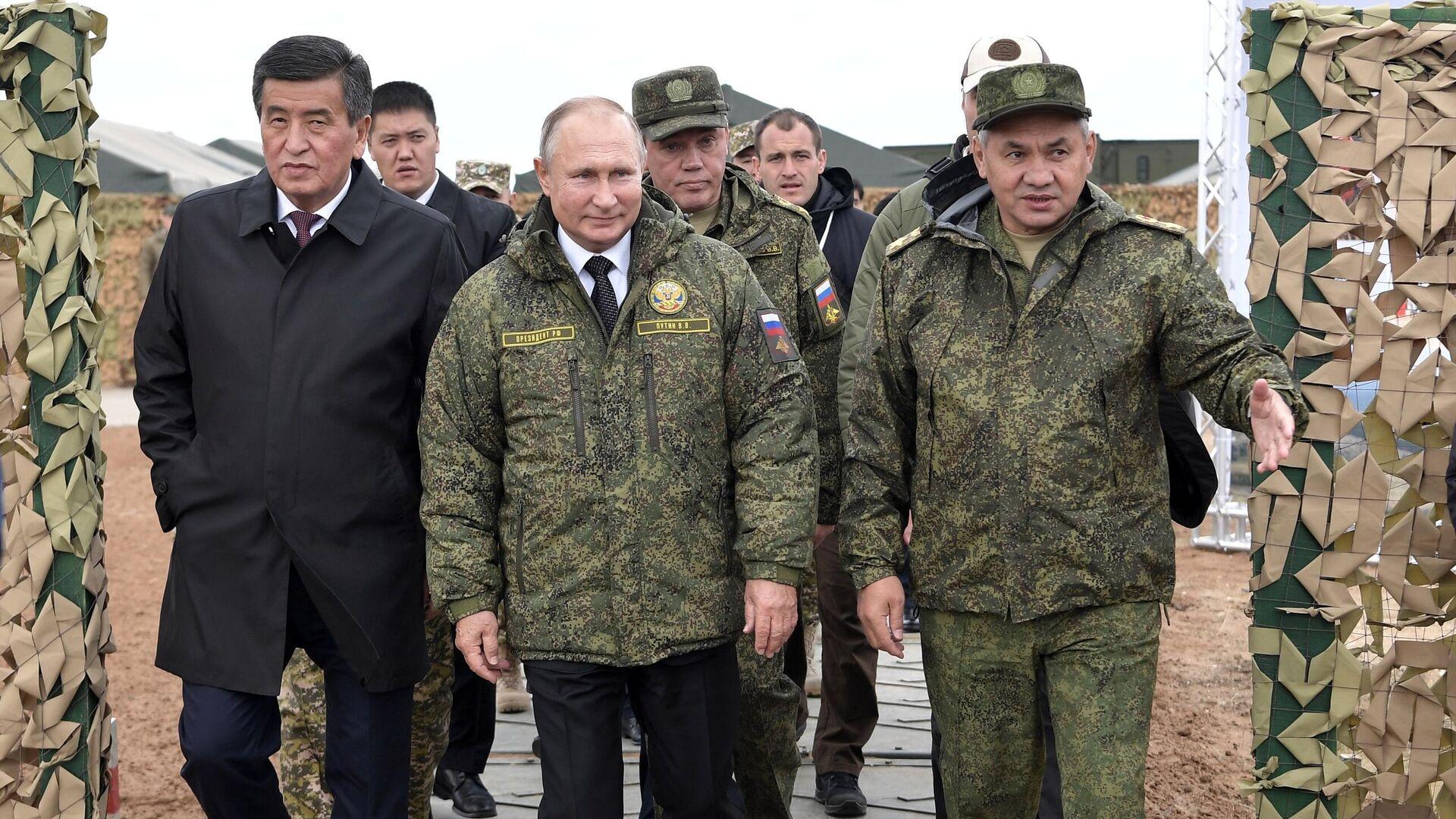 Председник Русије Владимир Путин и министар одбране Сергеј Шојгу - Sputnik Србија, 1920, 13.09.2021
