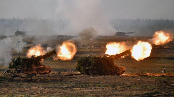 Samohodnыe artilleriйskie ustanovki (SAU) vo vremя osnovnogo эtapa učeniй Zapad-2021 na poligone Mulino v Nižegorodskoй oblasti - Sputnik Srbija