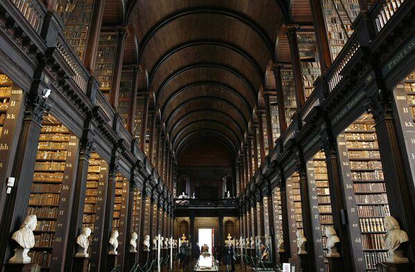Biblioteka Triniti-kolledža v Dubline, Irlandiя. - Sputnik Srbija