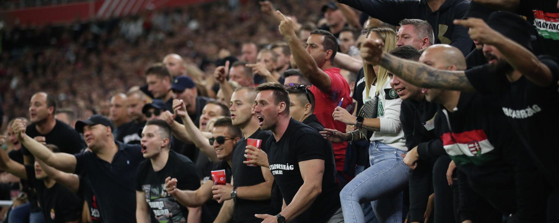 Navijači Mađarske tokom utakmice protiv Engleske u kvalifikacijama za Svetsko prvenstvo 2022. - Sputnik Srbija, 1920, 23.09.2021
