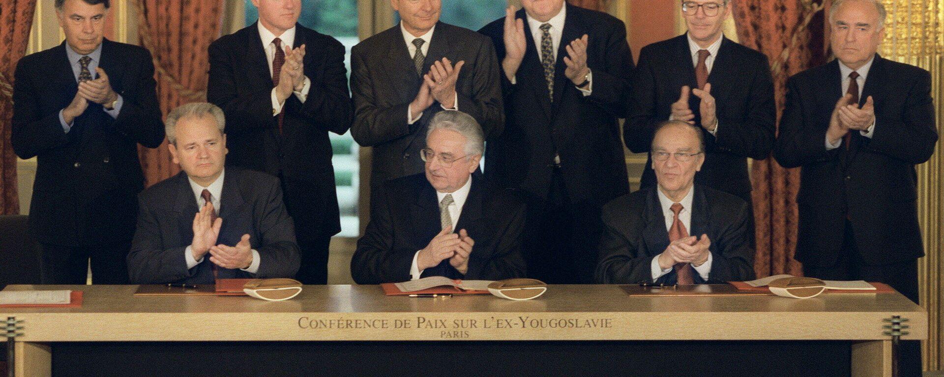 Potpisivanje potpunog i formalnog sporazuma u Parizu, nakon prethodnog dogovora u Dejtonu.  - Sputnik Srbija, 1920, 25.09.2021