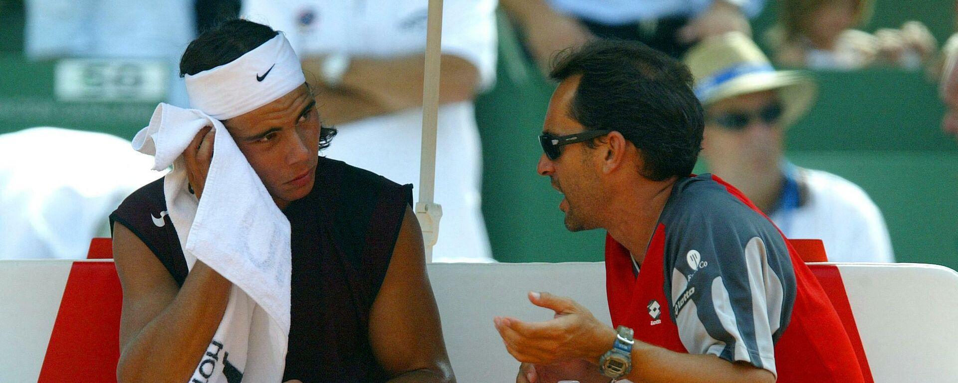 Rafael Nadal i Đordi Arese, selektor Dejvis kup reprezentacije, tokom meča 2004. u Alikanteu - Sputnik Srbija, 1920, 02.10.2021