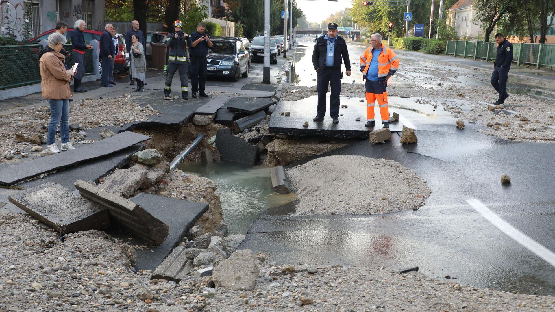 Poplava u Zagrebu nastala pošto je pukla vodovodna cev - Sputnik Srbija, 1920, 26.09.2021