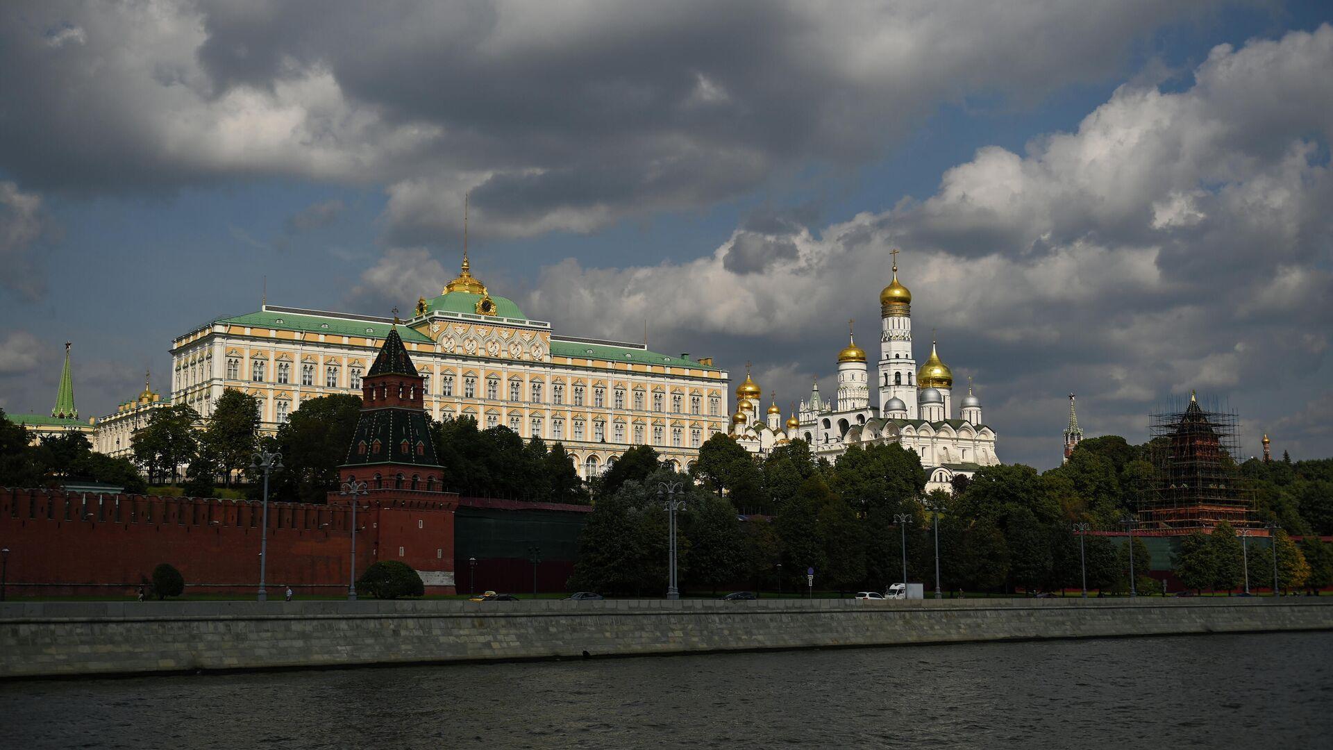 Velika kremaljska palata, Sabor Arhangela Mihaila i zvonik Ivana Groznog u Kremlju - Sputnik Srbija, 1920, 26.09.2021