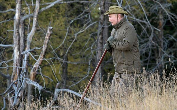 Путин је уживао на свежем ваздуху у природи - Sputnik Србија