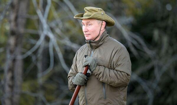 По повратку из радне посете Благовешченску, Путин је неколико дана остао у једном од сибирских региона - Sputnik Србија
