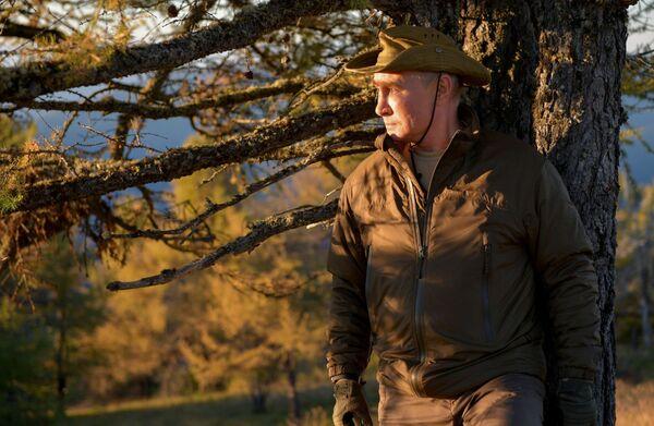 Шеф руске државе максимално је уживао у природи – овог пута ноћио је у шатору - Sputnik Србија