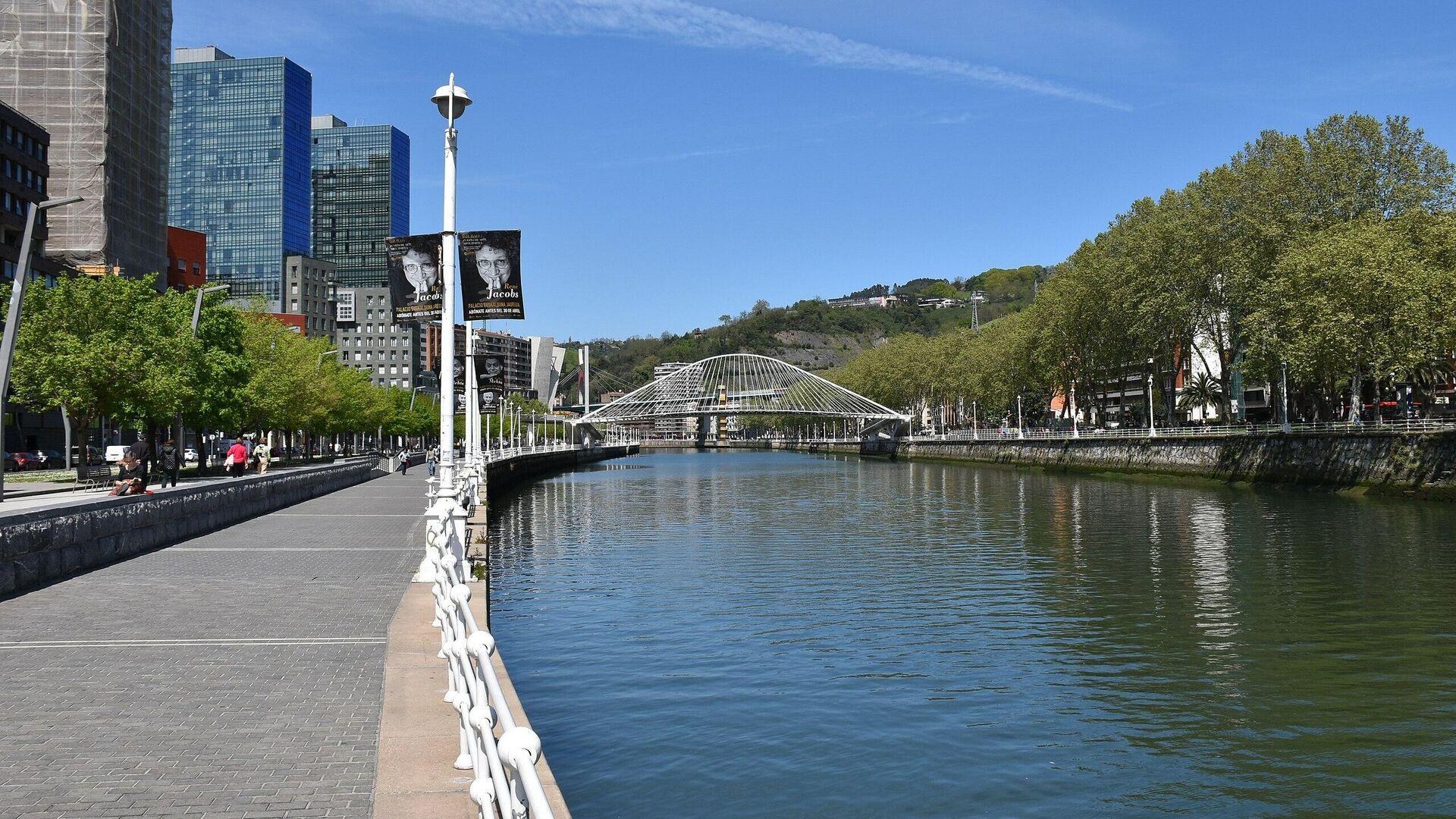 Reka Nervion u španskom gradu Bilbau - Sputnik Srbija, 1920, 29.09.2021