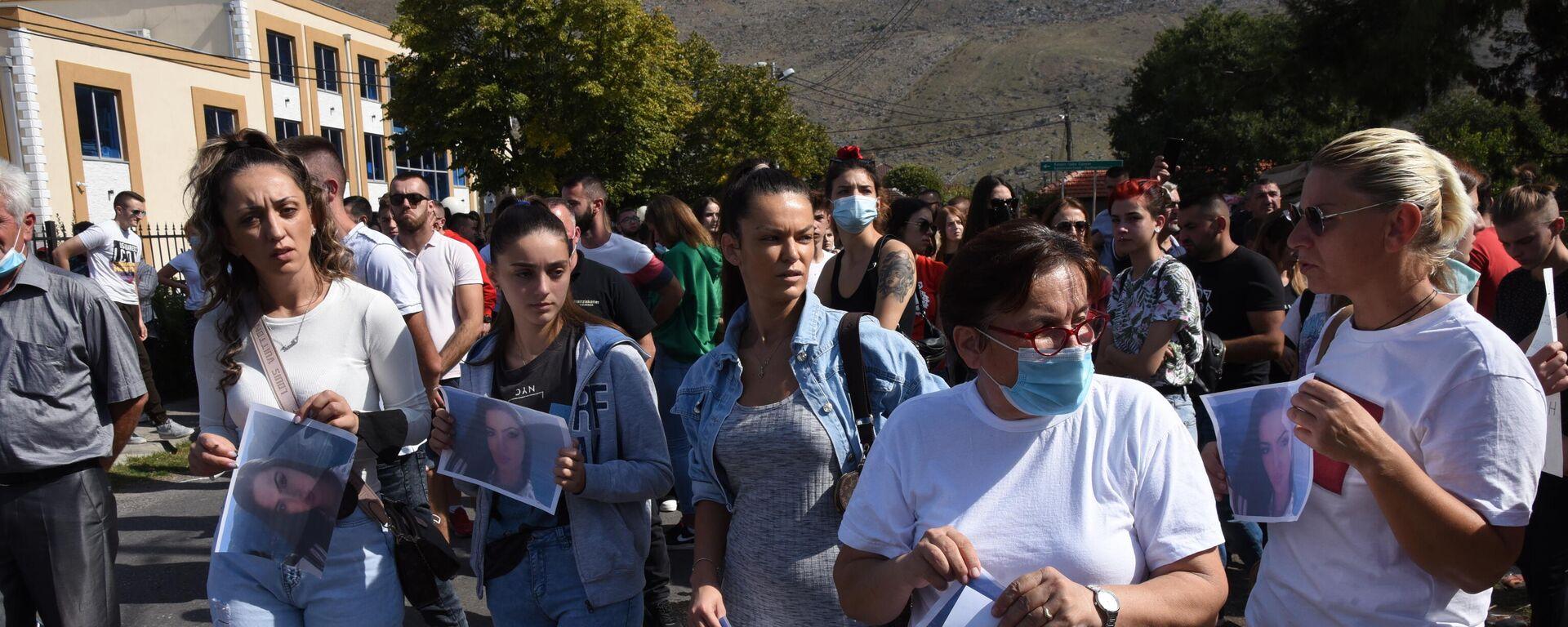 Protest u Tuzima kod Podgorice zbog ubistva devojke - Sputnik Srbija, 1920, 03.10.2021