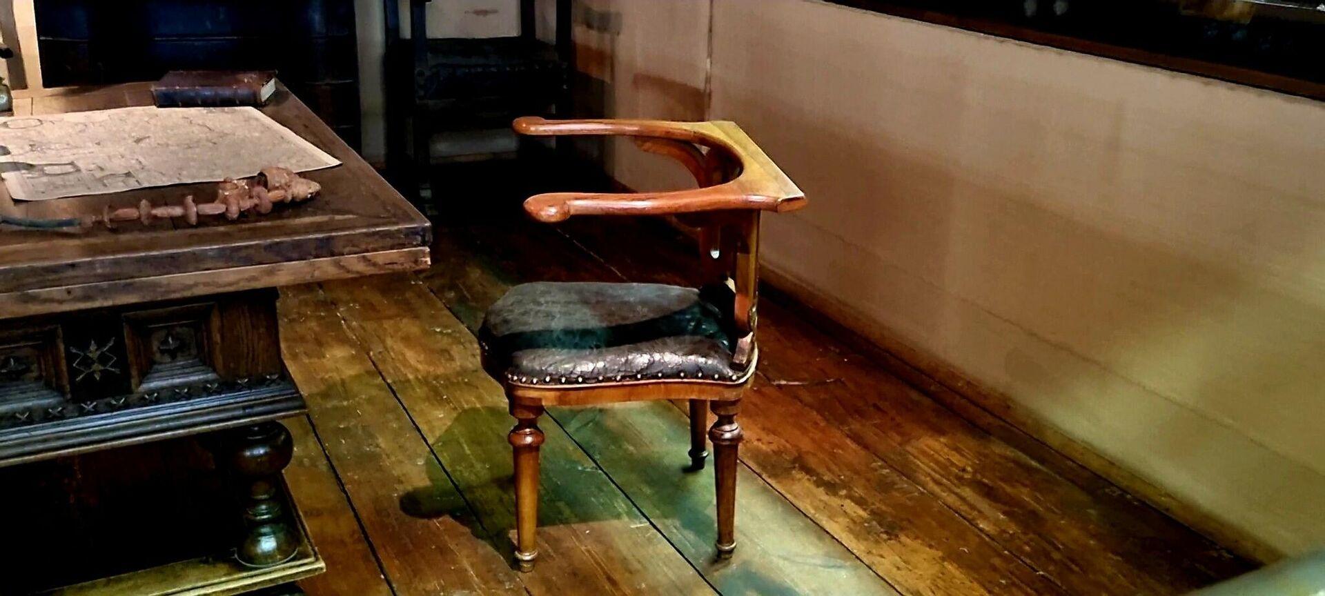 Stolica u radnom kabinetu brvnare Petra Velikog - Sputnik Srbija, 1920, 03.10.2021