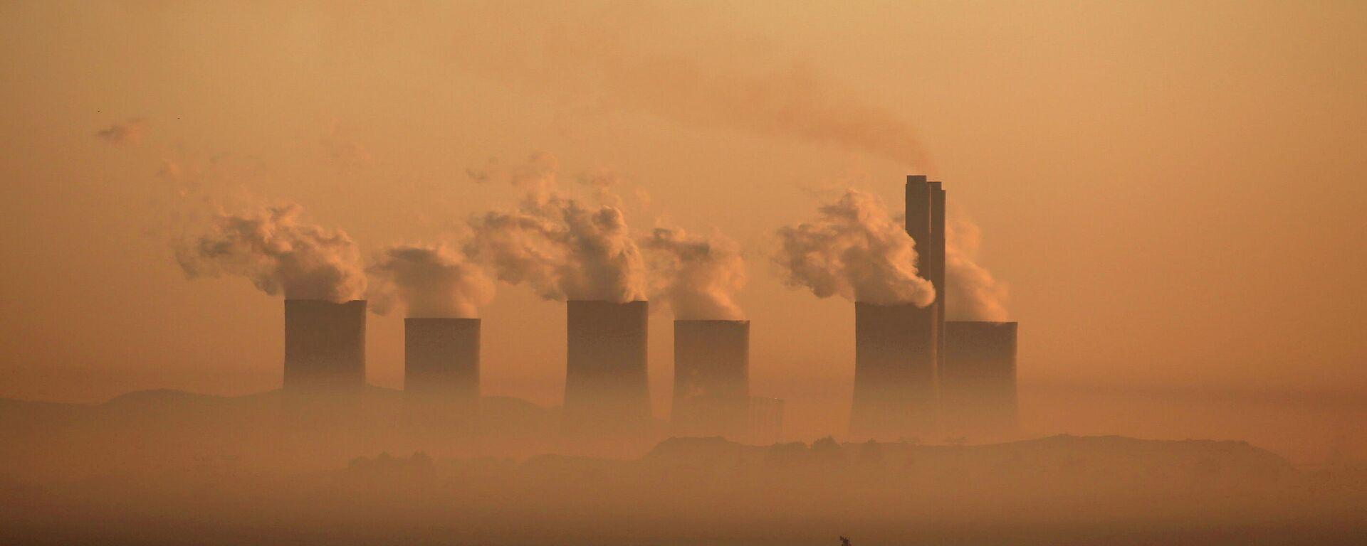 Dim iz termoelektrane u Južnoj Africi - Sputnik Srbija, 1920, 04.10.2021