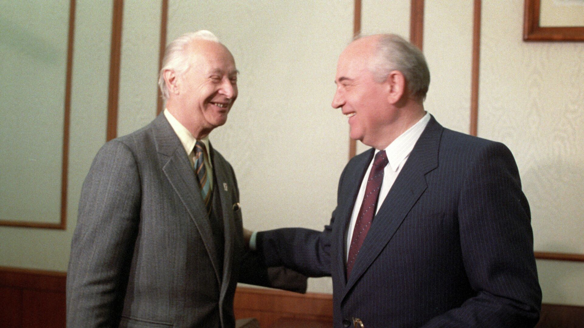 Aleksandar Dubček i Mihail Gorbačov - Sputnik Srbija, 1920, 12.10.2021