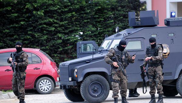Specijalne snage Turske policije 1. aprila nadomak Policijskog predstavništva u Instanbulu - Sputnik Srbija