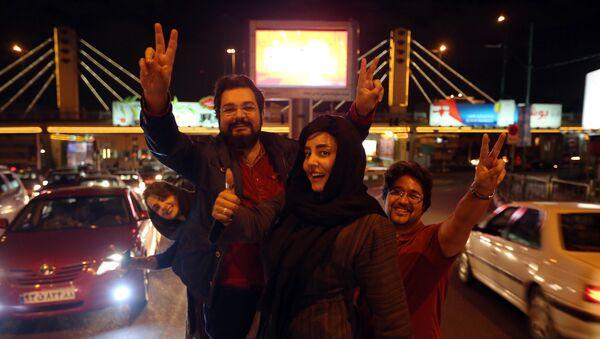 Teheran slavi prekid sankcija - Sputnik Srbija