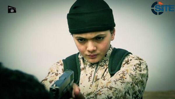 Дечак, припадник терористичке организације Исламска држава - Sputnik Србија