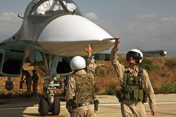 Ruski avioni u bazi Hmejmim u Siriji - Sputnik Srbija