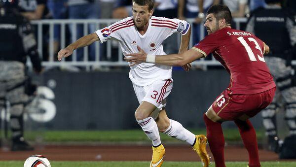 Igrači Srbije i Albanije Sefan Mitrović i Ermir Lenjani - Sputnik Srbija
