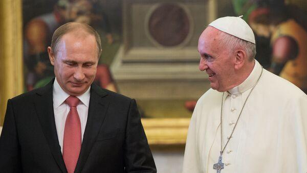Председник Русије Владимир Путин и римски папа Фрања у Ватикану - Sputnik Србија