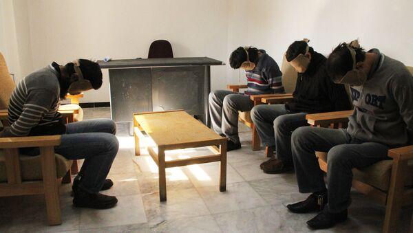 Pripadnici Islamske države u pritvoru sirijske specijalne službe - Sputnik Srbija